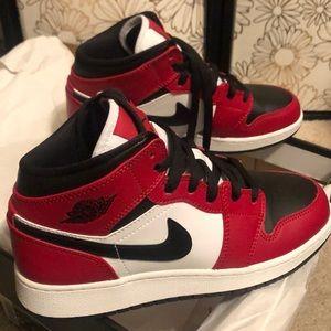 Air Jordan 1 Mids